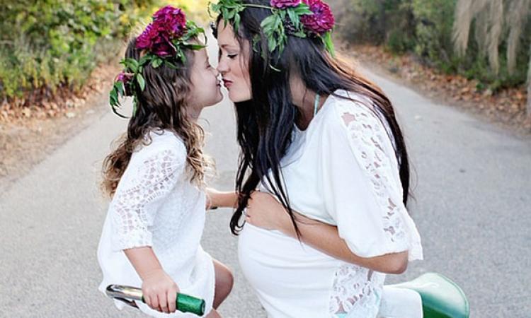 بالصور .. أمهات وأطفالهم نسخة واحدة