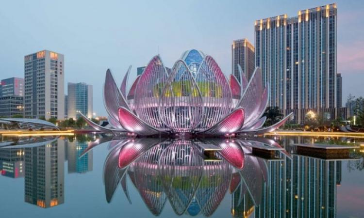 بالصور .. مبنى مذهل بالصين على شكل زهرة اللوتس
