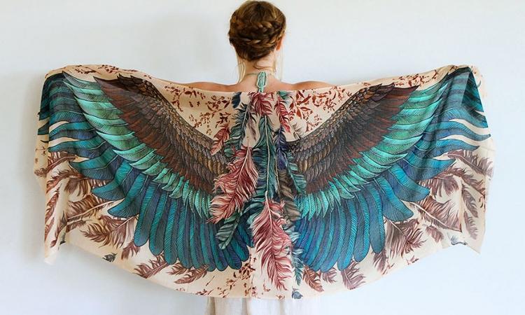 بالصور.. اذا اردت ان تكون كالطائر .. فاشتري هذه الوشاحات