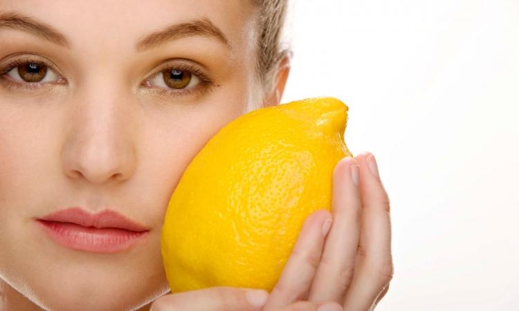 اكتشفي فوائد عصير الليمون في الحفاظ على جمالك!!