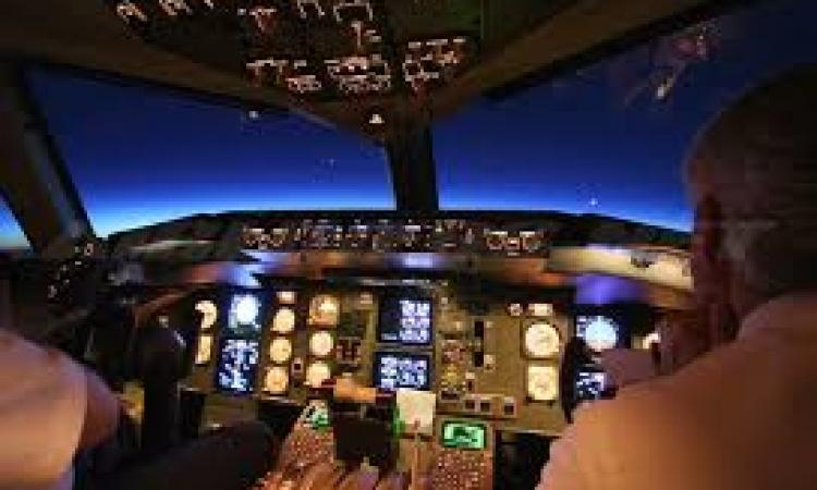 طيار هندي ينام في المجال الجوي التركي