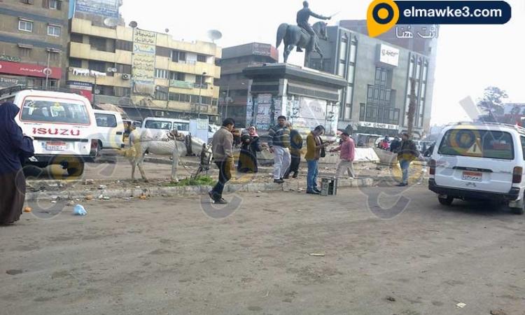 """بالصور… """"الحمير"""" تحاصر الزعيم أحمد عرابي بالزقازيق"""