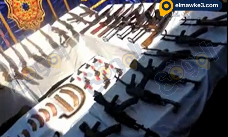 بالفيديو.. أمن أسيوط يتمكن من ضبط 50 قطعة سلاح نارى و42 متهم هارب