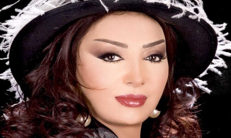 من نبيلة عبيد إلى الرئيس السيسى : عايزة أشتغل فى قناة السويس