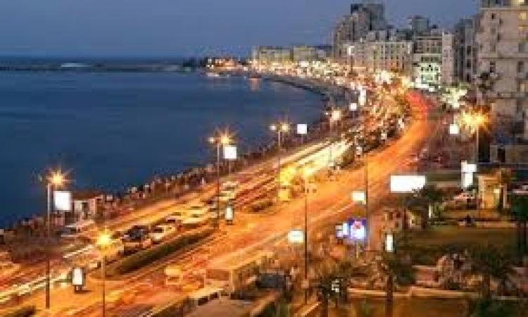 السوريون يحتلون شوارع الاسكندرية