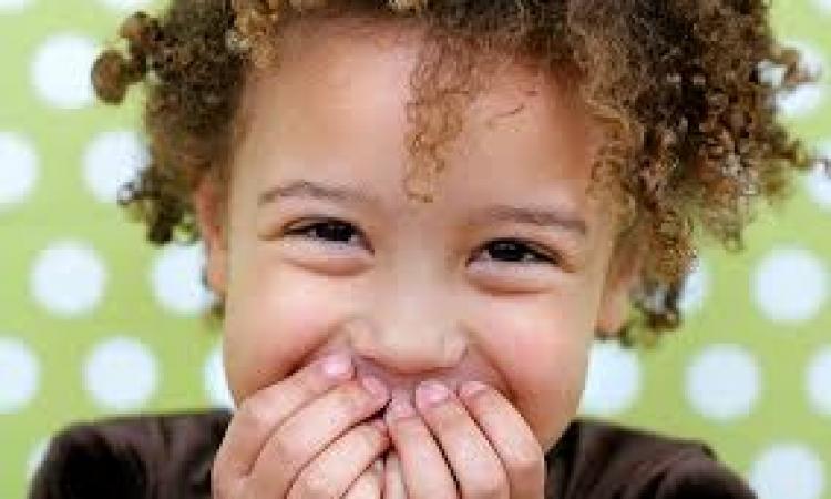 «الكاميرا الخفية» خدعة عن التحرش بالأطفال تجذب ملايين المشاهدات