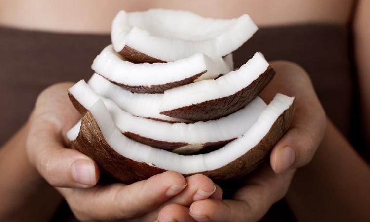 دراسة: إضافة جوز الهند لنظامك الغذائى يعزز صحتك
