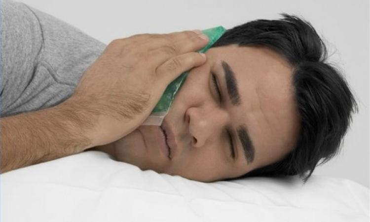 الملح والشاي لعلاج آلام الأسنان واللثة