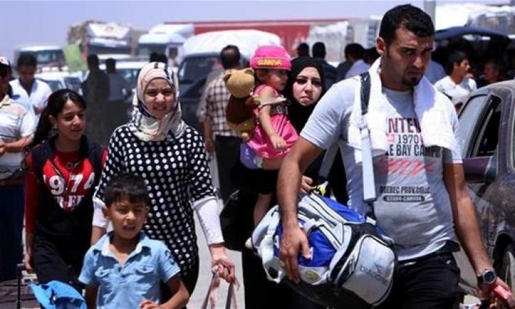 خلال 24 ساعة .. 70 ألف كردى سورى فروا إلى تركيا