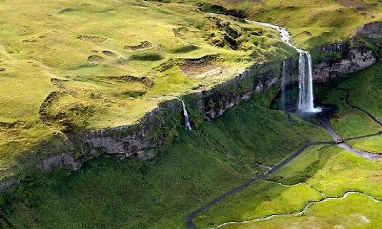 تمتع بروعة منحدرات وسهول ايسلندا الملونة