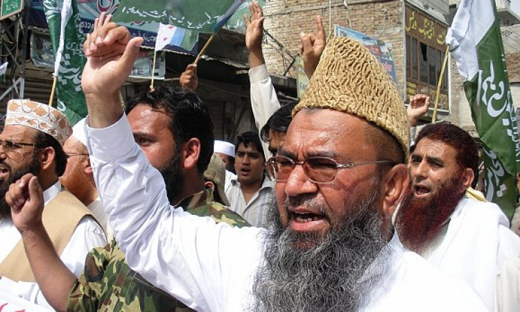 متظاهرون يقتحمون مبنى التليفزيون الباكستاني