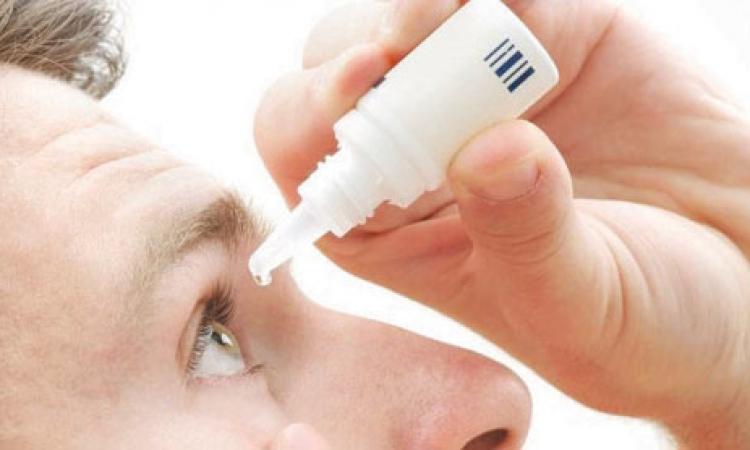 كيف تقي نفسك من جفاف العين؟