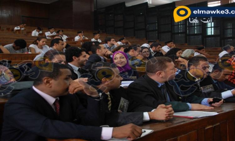 صورإعادة المحاكمه فى احداث مجلس الشورى المتهم فيها علاء عبدالفتاح