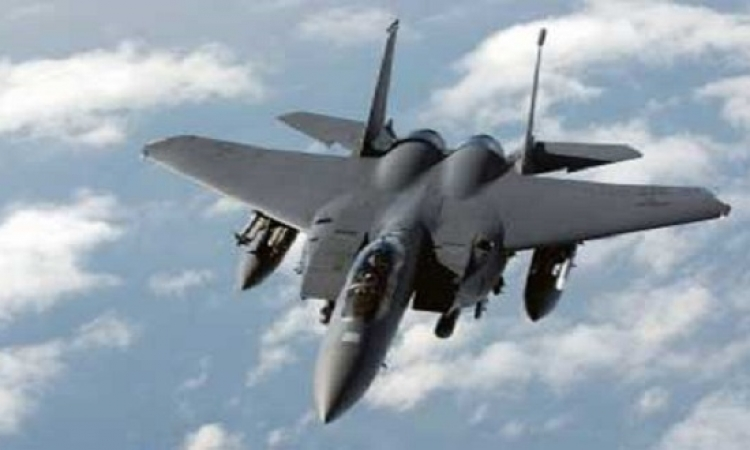 الطيران الأمريكى يدمر معونات ألقاها بالخطأ قرب داعش