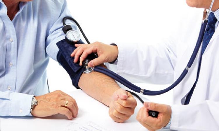 تعرف على معنى أرقام قياس ضغط الدم .. وكيفية التحكم فيه
