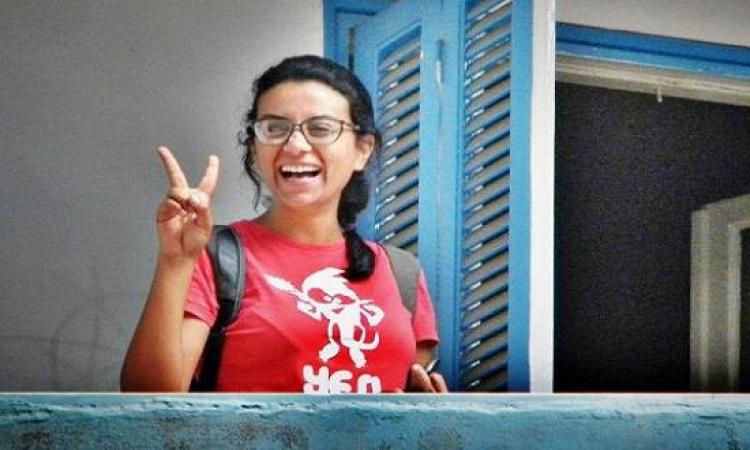 ماهينور المصرى بعد إخلاء سبيلها : سأواصل التصعيد ضد قانون التظاهر