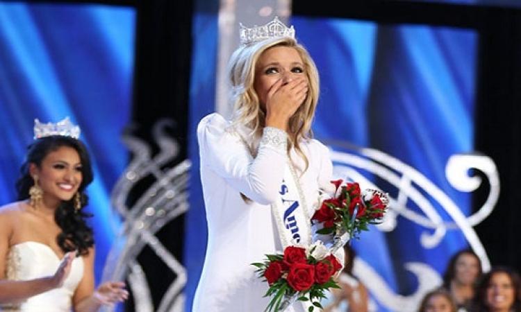 ممثلة نيويورك كيرا كازانتسيف تفوز بلقب ملكة جمال أمريكا