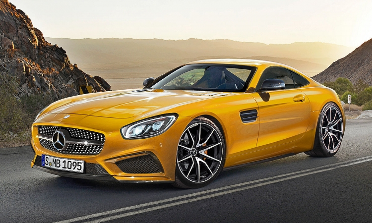بالفيديو.. مرسيدس تطلق سيارتها الجديدة AMG GT