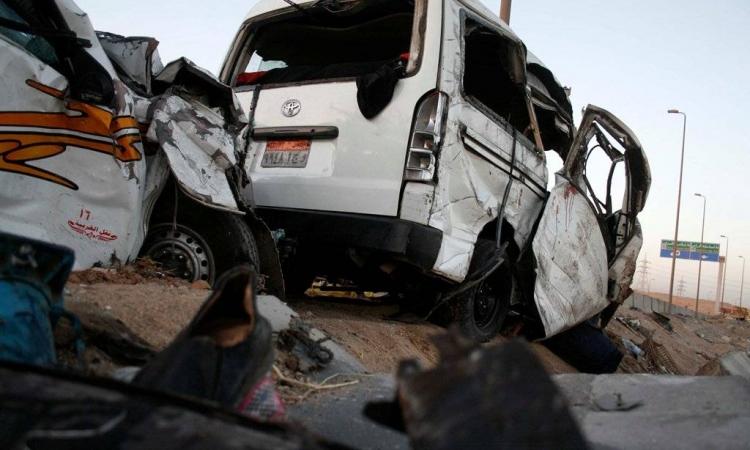 الداخلية : مصرع 9 وإصابة 30 فى حادث تصادم بطريق الصعيد