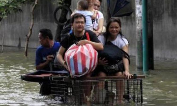 إعصار يخلف 200 ألف مشرد في الفلبين ويتجه لتايوان
