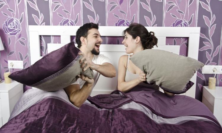 أغرب نتيجة لدراسة نوم الرجل بجوار زوجته