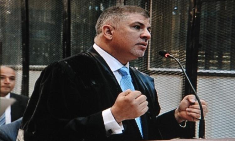 دفاع العادلى: القاضى يخشى وفاة مبارك