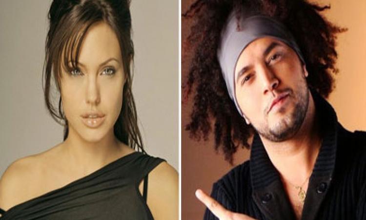 المطرب عبد الفتاح الجرينى يشارك في فيلم من بطولة أنجلينا جولى