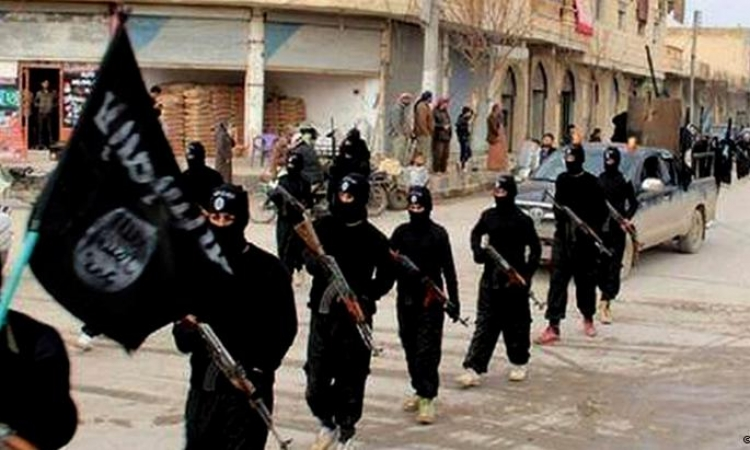 بالفيديو .. داعش تكشف عن تطوير وصناعة الأسلحة