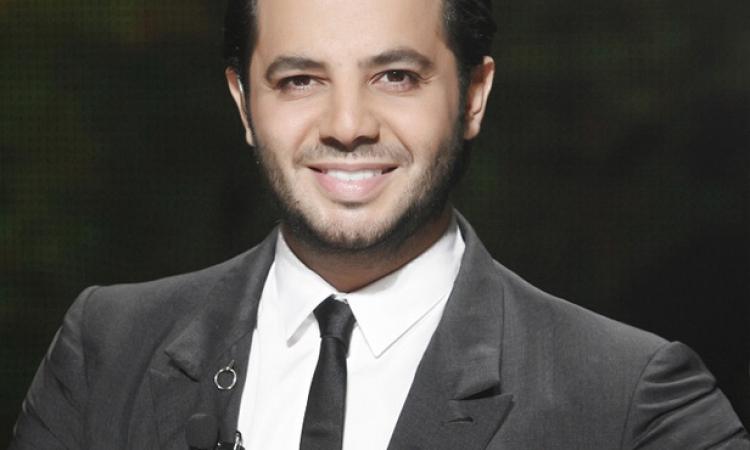 """"""" عمر الشقى بقى """" الإعلامي اللبناني نيشان يتعرض لحادث سير مروع"""