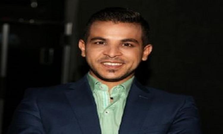 بالفيديو .. أحلام لمحمد رشاد: أموت فيك