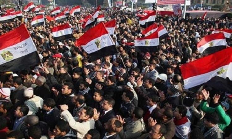 احتفالات بنصر أكتوبر بميدان التحرير .. وضبط مندسين وسط المحتفلين
