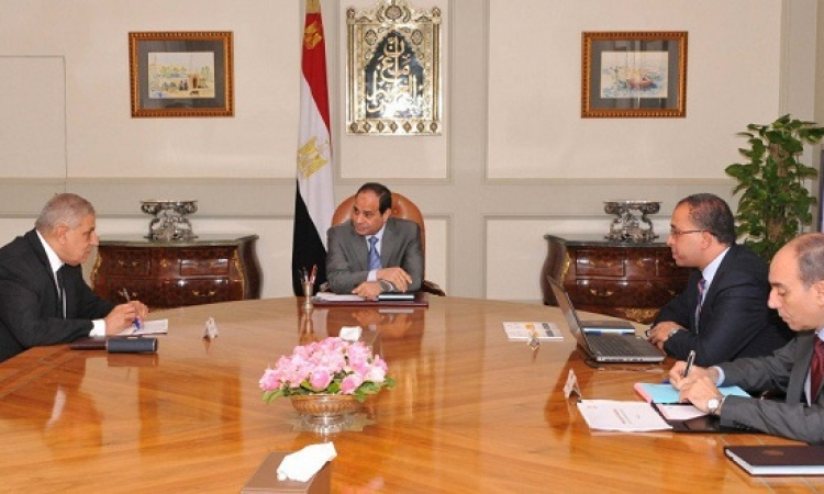السيسي يستعرض خطة الإصلاح الإداري والتشريعي مع محلب والعربي
