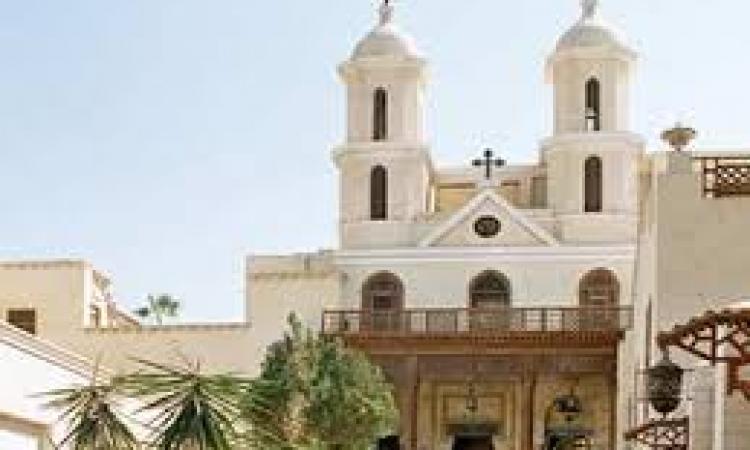 محلب والبابا تواضروس يفتتح الكنيسة المعلقة بمصر القديمة