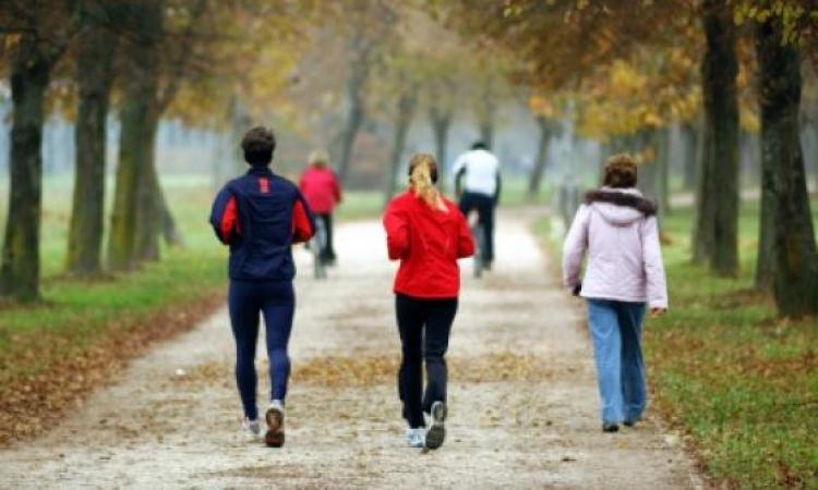 خبراء الصحة : المشي هو الخيار الأفضل للصحة واللياقة