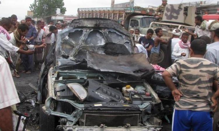 مقتل 10 جنود يمنيين في تفجير انتحاري بمدينة المكلا
