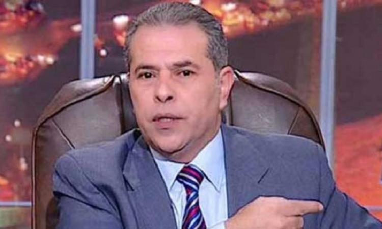 توفيق عكاشة يصافح وزير خارجية الإمارات فى القمة العربية