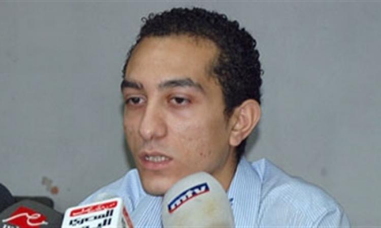 حسن شاهين يعلن عودة صفحته الشخصية على «فيس بوك»