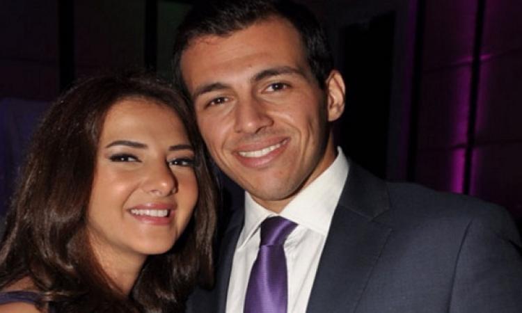 بالصور .. دنيا سمير غانم وزوجها .. وحب على ضوء القمر فى الساحل الشمالى !!