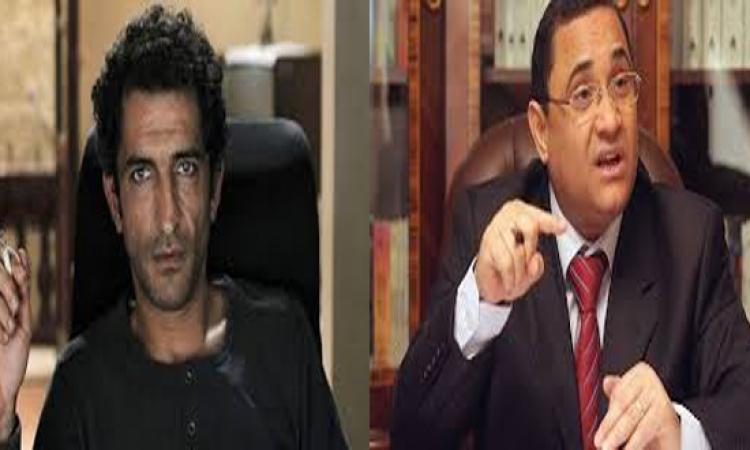 محكمة جنح الدقى تبرء عبد الرحيم على من تهمة سب عمرو واكد