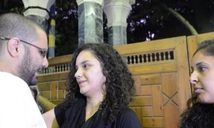 """تعليقا على حبس أخته سناء .. علاء عبد الفتاح : """"حسبى الله ونعم الوكيل """""""
