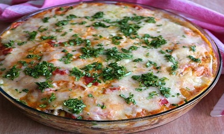 فطيرة التورتيلا المكسيكية بالدجاج والجبنة