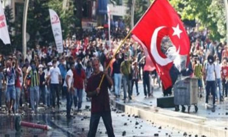 بعد إعلان أردوغان محاربة الإرهاب .. احتجاجات ضخمة بتركيا