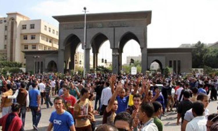 طلاب الإخوان يصرون علي الخروج من الجامعات يوم الإثنين إلى ميادين رابعة والنهضة