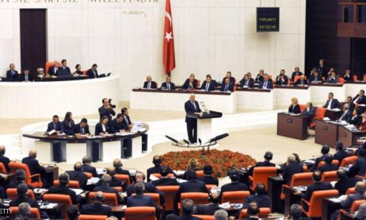 البرلمان التركي يوافق على التدخل العسكري فى سوريا والعراق