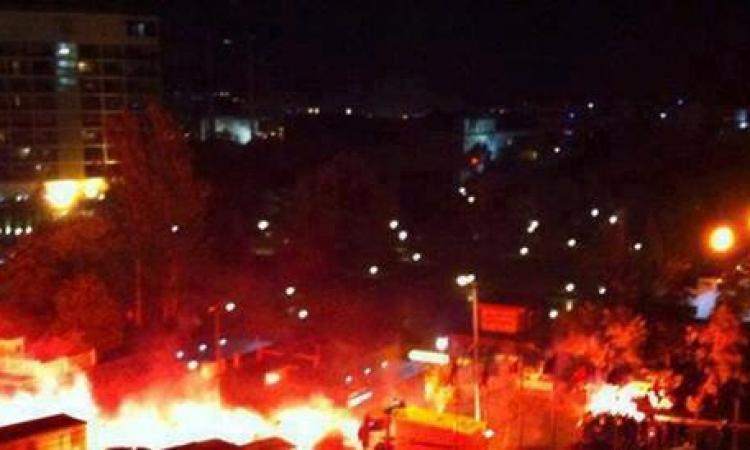 ارتفاع حصيلة قتلى اشتباكات تركيا إلى 35 وإحراق ثلاثة آلاف متجر