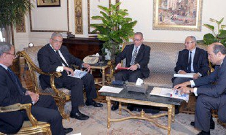 رئيس الوزراء : تطوير مصر للطيران إحدى أولويات عمل الحكومة