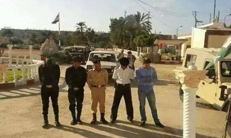 الحق يا عم .. خناقة بين الجيش والشرطة فى بورسعيد