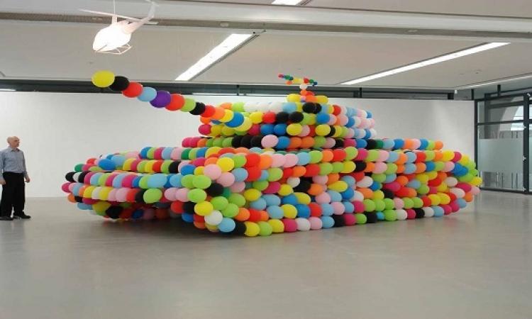 ابداعات الفنانين بعمل أشكال جديدة بالبالونات