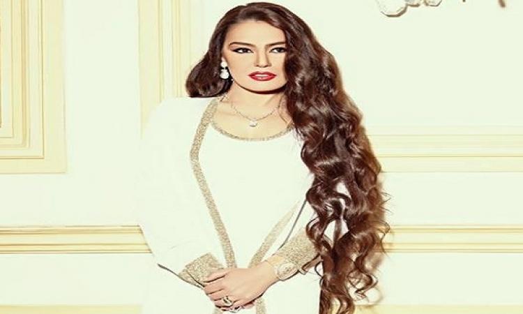 كالعادة .. شريهان فى أطلالة شبابية بعدسة كريم نور