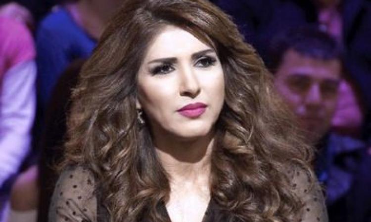 زهرة عرفات تحول منزلها لصالة ألعاب من أجل قوام رشيق.. صور